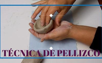 Técnica de modelado en cerámica mediante pellizco