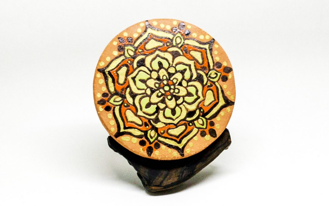 Percha mandala con la técnica decorativa de la cuerda seca. Vídeo 9