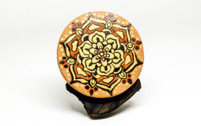 Percha mandala con la técnica decorativa de la cuerda seca. Video 9